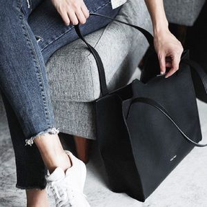 BRAND NEW Pixie mood tote and clutch